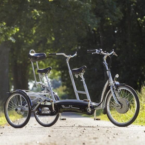 Tandem-met-2-wielen-achter