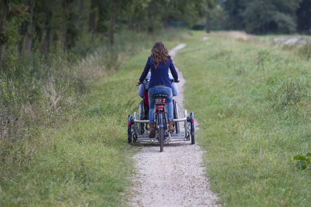 Achterkant rolstoelfiets VeloPlus